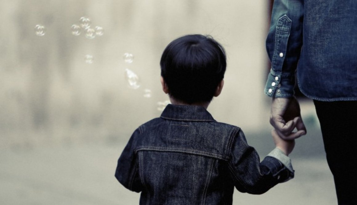 Life of Pix free stock photos kid boy bubbles back leeroy copie