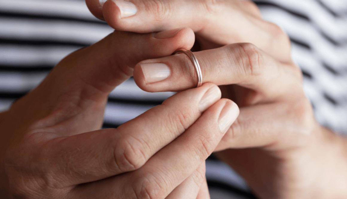 10 Belangrijke regels voor als jij en je partner uit elkaar gaan. Huwelijk ring scheiding