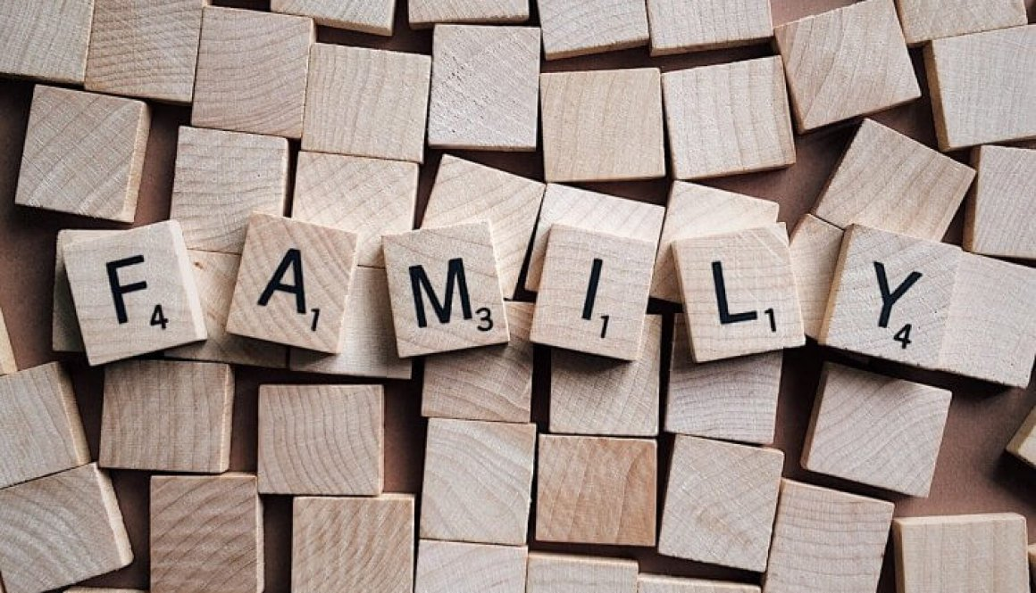 family-2355697_1280