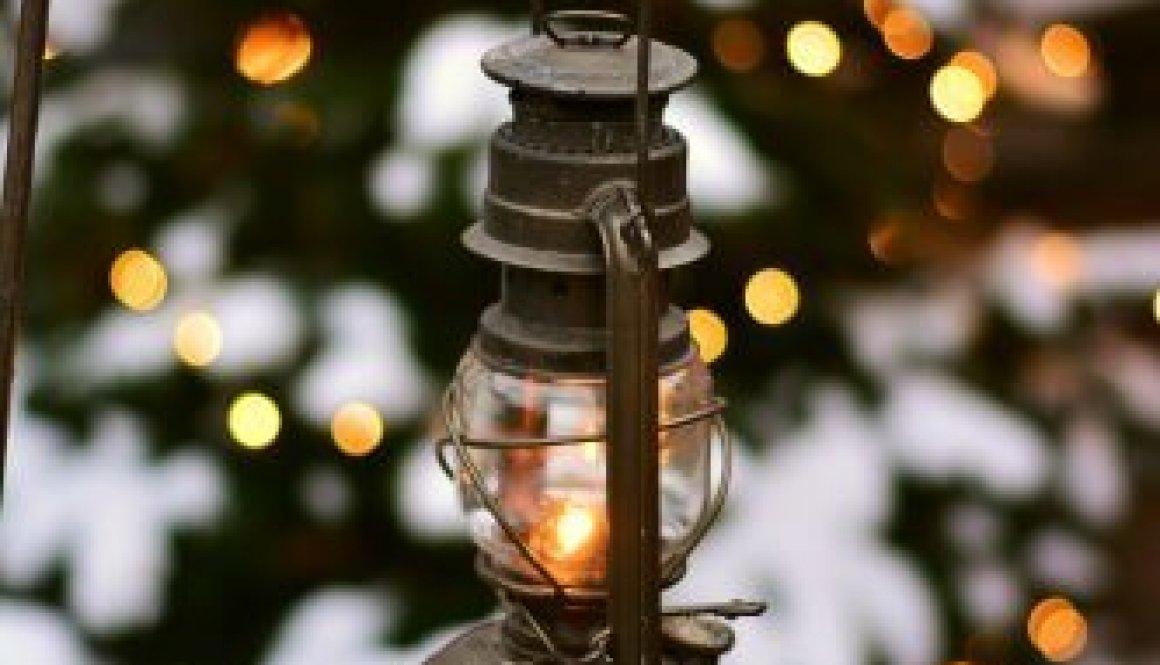 lantern-2996652_1920