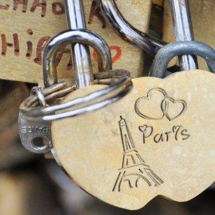 paris-1177112_1920